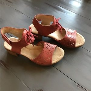 SPRING SANDAL SALE  Dansko ankle strap sandals